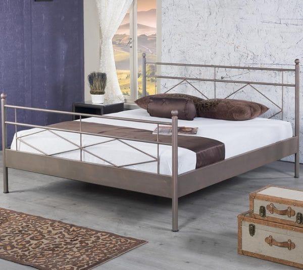 Maria metalen bed